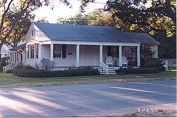 1999 holiday historical homes tours in bastrop texas for Home builders bastrop tx