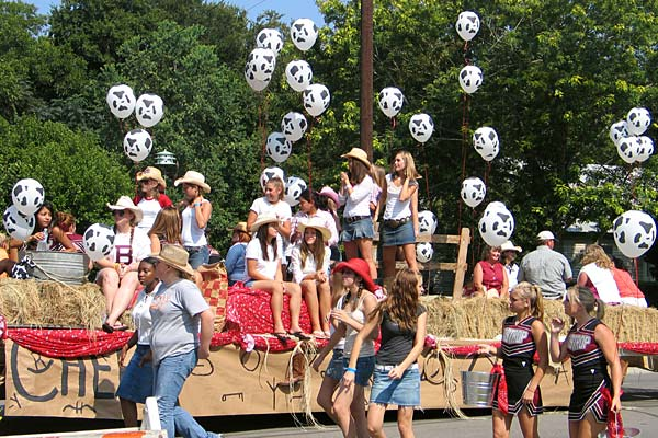 High School Homecoming Parade Floats http://www.bastroptexas.net/around_bastrop/events/homecoming-2-2005.htm
